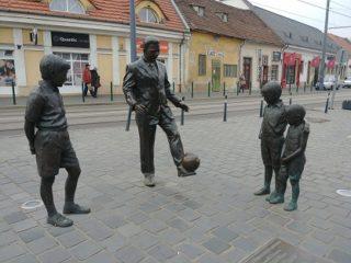 Puskás Ferenc szobor